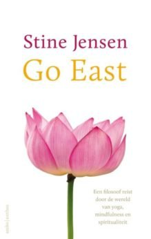 Omslag Go East - Stine Jensen
