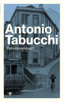 Omslag Pereira verklaart - Antonio Tabucchi