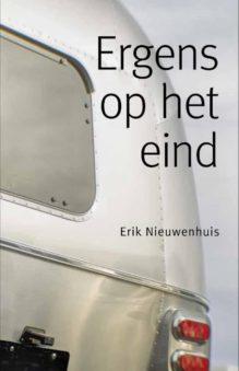 Omslag Ergens op het eind - Erik Nieuwenhuis