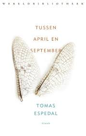 Omslag Tussen april en september - Tomas Espedal